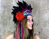 Frida - coiffe de plumes vibrante
