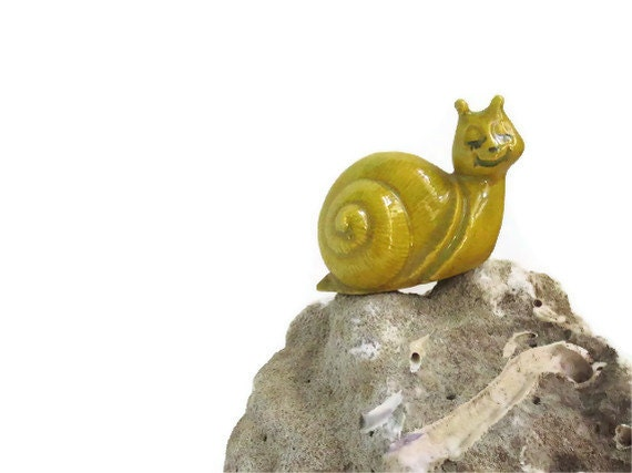 Sweet Retro Smiling Yellow Snail, Yellow 1970s Ceramic Snail, Snail Figure,  Retro Figurine, Cool 1970s Accessory