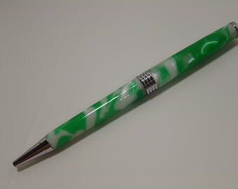 Green and White Wave Twist Pen