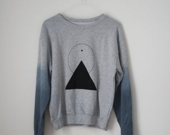 s / THE PYRAMID N.2  /  new age dip dye sweater /  light gray . black . shades of blue