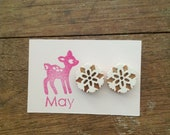 Wood and perspex studs White lace - Ready to go
