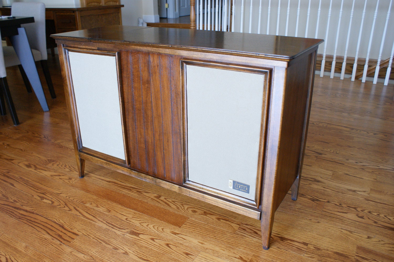 Reserved for daniela 1961 record player console by zenith for Zenith sofa table
