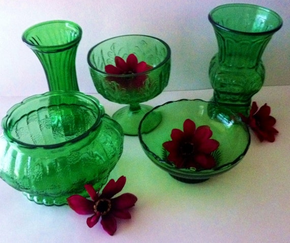 Make Them Green With Envy ---- Beautiful 5 piece Set Of Emerald Green Glass Vases and Display Bowls
