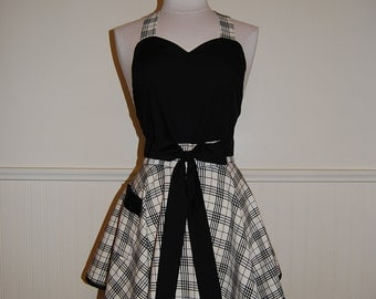 Black and Cream Plaid Full Circle Skirt Sweetheart Apron with Pocket