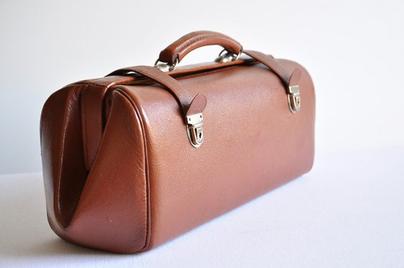 Reserved for Nathalie. Vintage Brown Leather Doctor's Bag