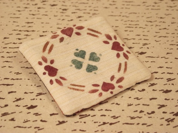 Clearance:  Quilt pattern stenciled pin brooch