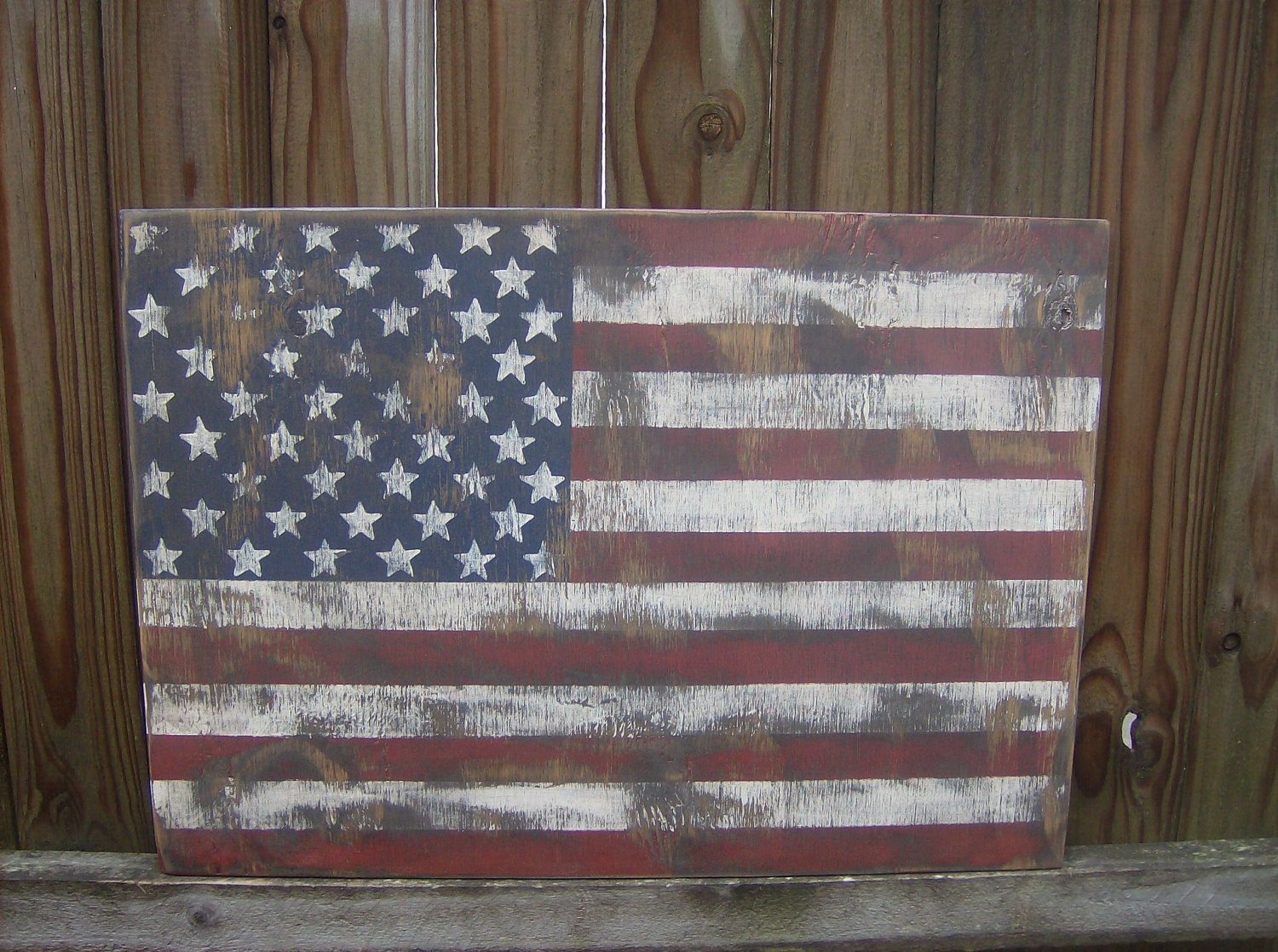 ... Distressed American Flag wall decor. 🔎zoom