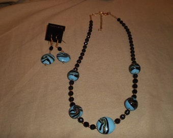 Porcelain and Midnight Blue Faceted Crystal Necklace Set