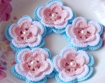 5 Crochet Flowers In Lt Pink, White, Lt Blue YH-032-010