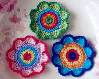 Crochet Flowers In Multicolor YH-085-01