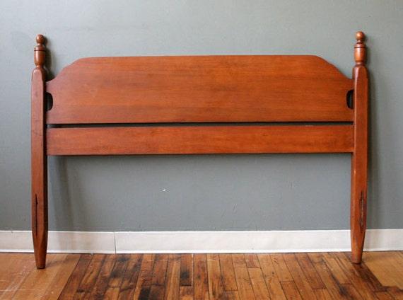 vintage old solid wood full size bed headboard foot board. Black Bedroom Furniture Sets. Home Design Ideas