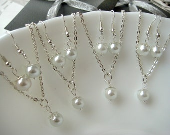 Set of 4 Bridesmaid Jewelry , White Pearl Necklace and Earring Sets, Bridesmaid Gift Set, Pearl Bridesmaid Sets