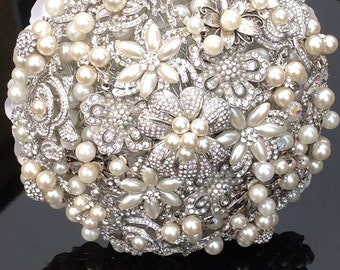 Our 'Elizabeth' Brooch Wedding Bouquet
