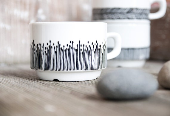 """Handpainted cup """"somewhat angular"""", black and white"""