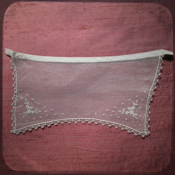 Antique French White Collar or Apron Lace embroidered net - Vintage Fine Handmade Fashion from France with embroideries