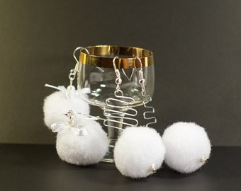 Snowball fights - Snow White Soft Earrings