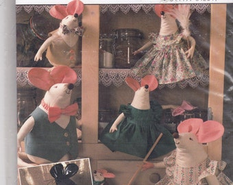 Uncut Burda Sewing Pattern 4231 - MOUSE / MICE Soft TOY Animal - 3 sizes - with Clothes - dress, bow tie - Mouse Plush Toy