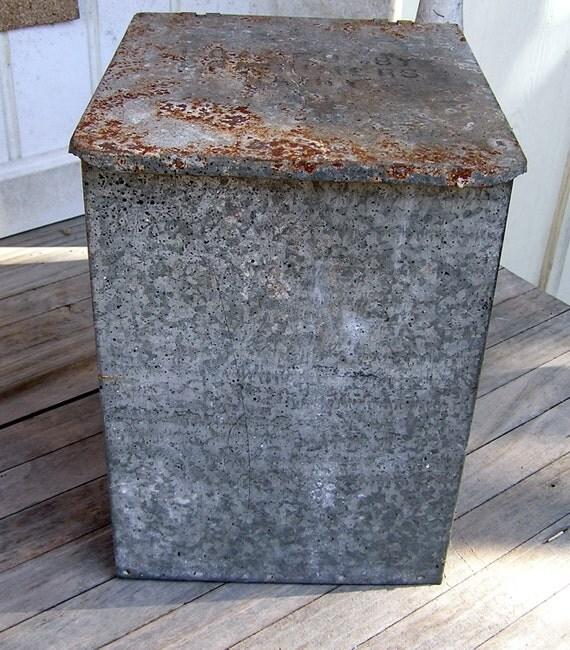 vintage galvanized metal milk box with by myvintageapartment. Black Bedroom Furniture Sets. Home Design Ideas