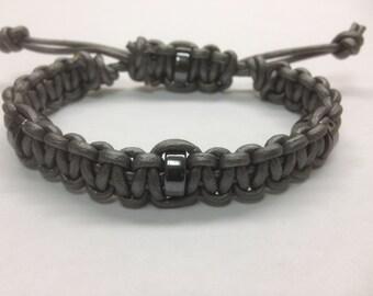 Grey men's leather bracelet . macrame hadmade bracelet. hematite beads bracelet. handcrafted bracelet. grey bracelet
