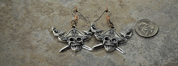 Pirate Captain Jolly Roger Earrings - Skull & Crossbones