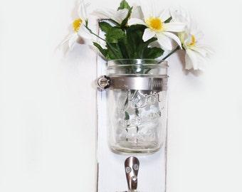 white vase towel 2560x1440 - photo #26