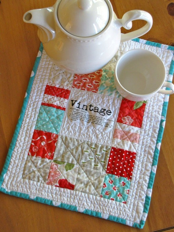 vintage modern mini quilt, table topper, quilt wall hanging