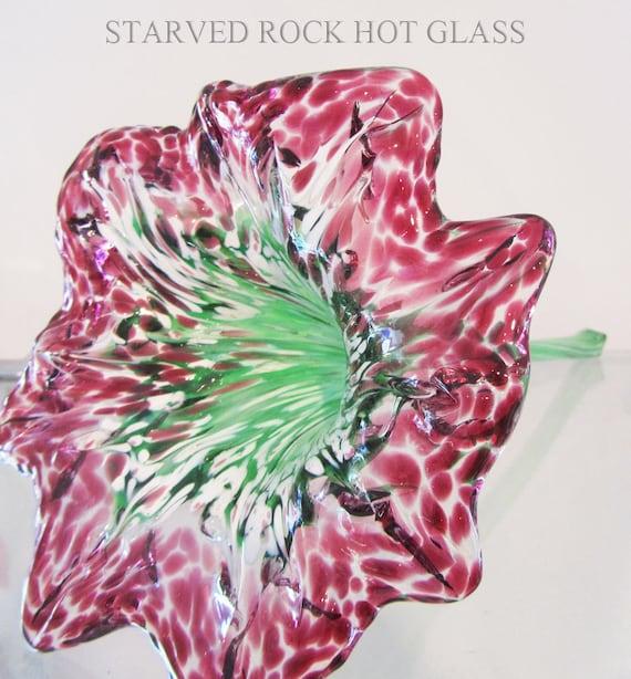 Hand Blown Glass Flower With Straight Stem By Starvedrockhotglass