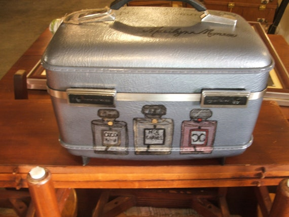 HELD FOR DANA - Vintage Travel Case with Words from Marilyn Monroe