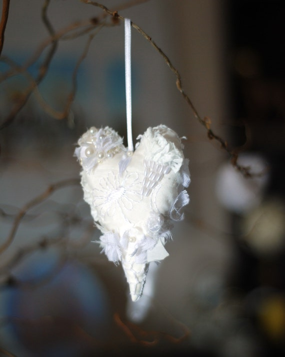 Shabby Chic vintage-looking hanging fabric Heart. Christmas Ornament