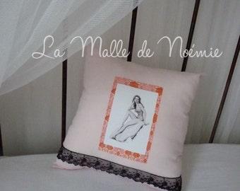 """Pillow """"Pin-up Mina"""""""