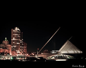 Milwaukee Photography. Photograph of Calatrava Milwaukee Art Museum. Milwaukee Skyline and Milwaukee Art Museum. Black & White 8x10 photo