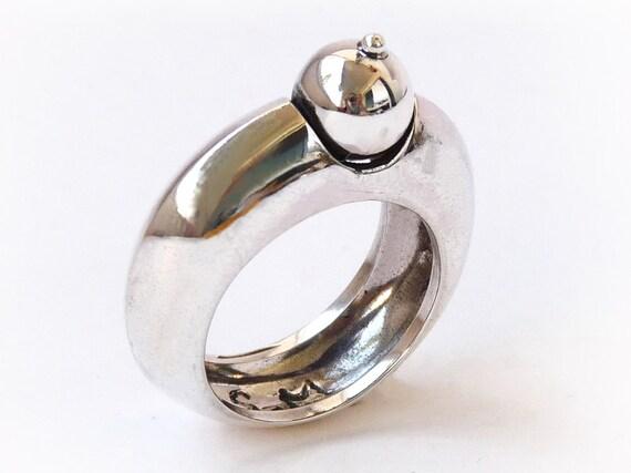Silver 925 Taj Mahal ring .