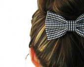 A PAIR of Black and White Houndstooth / dogstooth  BOW hair clip.