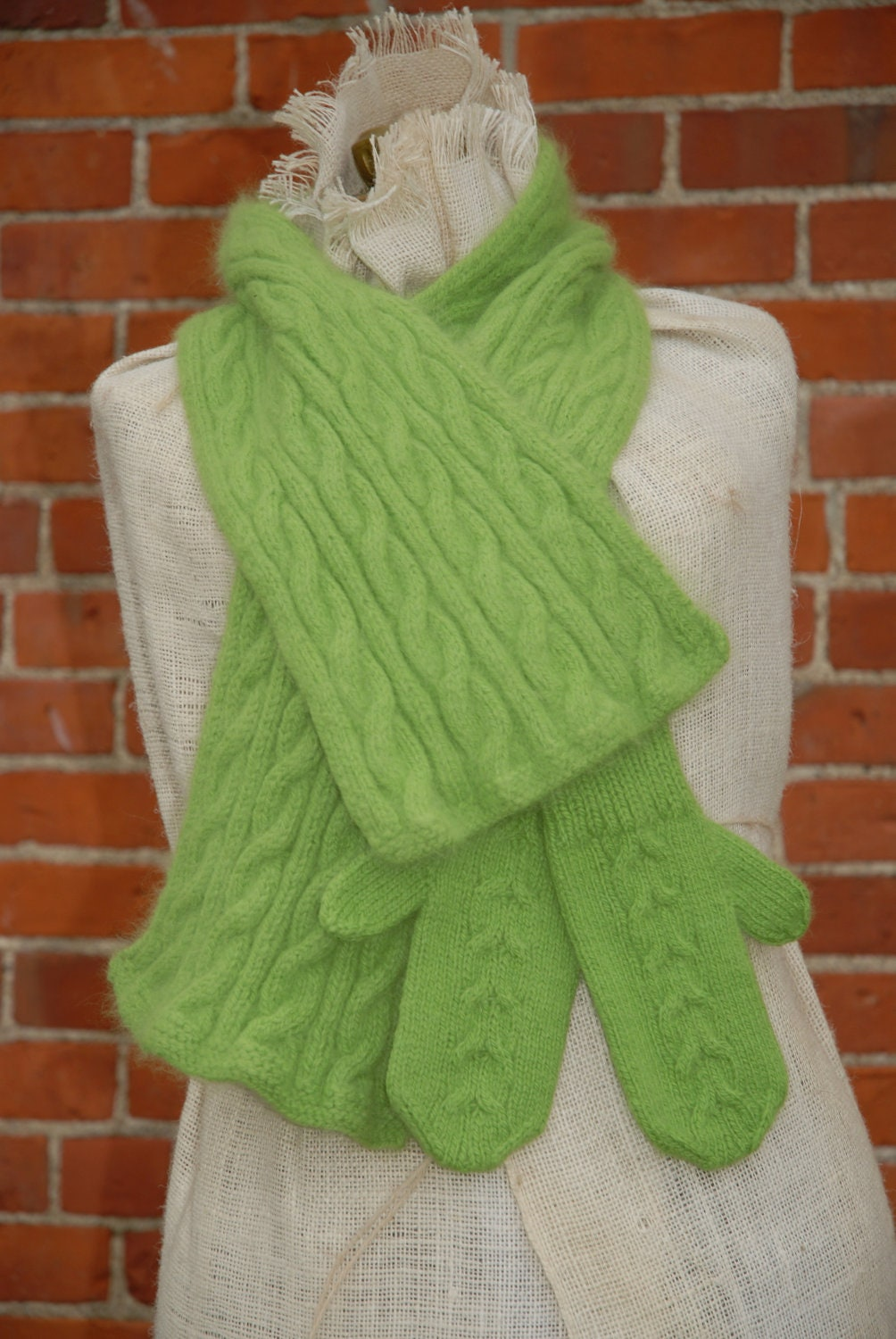 Pattern - Cloud Mittens and Scarf to Knit