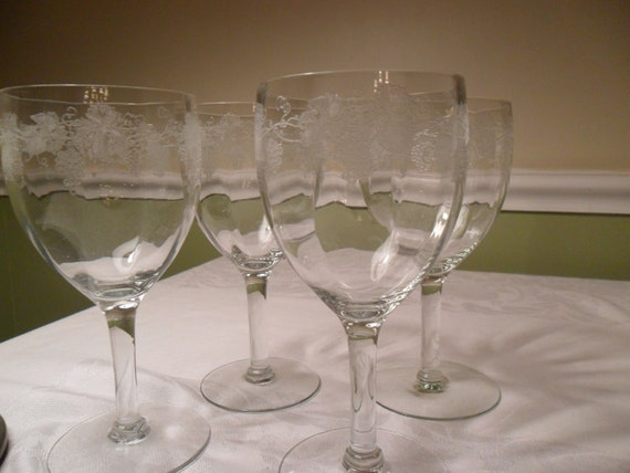 Vintage Depression Era Optic Wine Glasses Goblets with Etched / Raised Grape Trellis Design from Amelie's Farmhouse FTTEAM