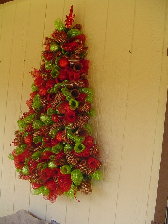 Items similar to Wall hanging deco mesh christmas tree on Etsy