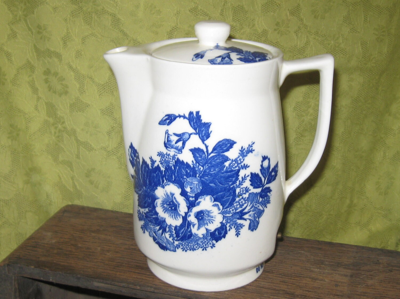 vintage electric porcelain tea pot made in japan 1940s. Black Bedroom Furniture Sets. Home Design Ideas