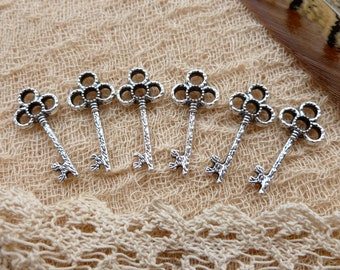 6x Key Charms, Antique Silver Pendants C57