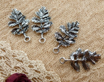 4x Leaf Charms, Antique Silver Pendants C44
