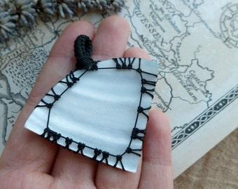 Shell And Macrame Pendant, Stone Pendant  PM16