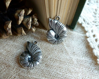 4x Ammonite Charms, Antique Brass Necklace, Earring Pendants C249