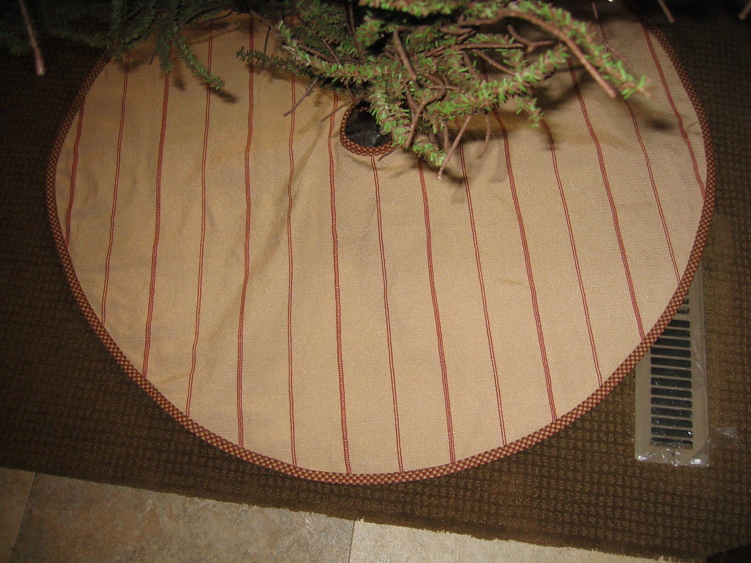Country Primitive Christmas Tree Skirt
