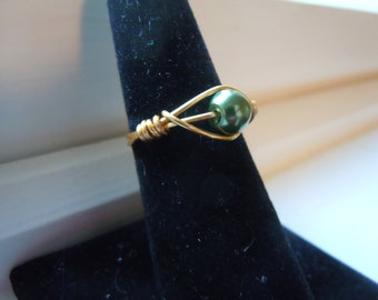 Green Glass Pearl Ring