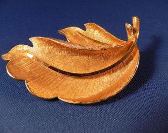 Vintage BSK Brooch /Pin Leaf Brushed Goldtone Metal