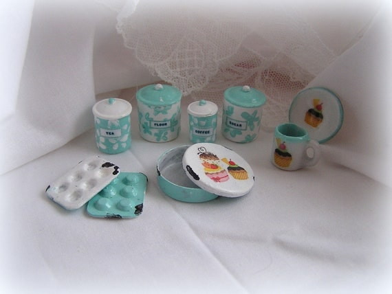 Dollhouse Miniature Kitchen Canisters And Cupcake By