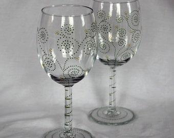 Green Swirls & Yellow Flower Wine Glasses - Hand Painted | Gift, Wedding, Anniversary, Birthday, Nature, Floral, Garden, Vine, Vineyard