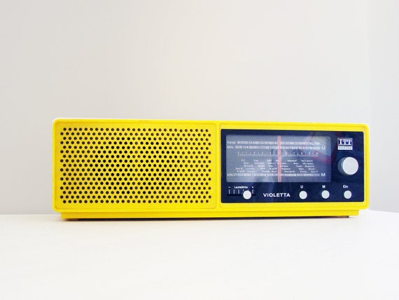 rare yellow vintage radio 70s itt schaub lorenz violetta. Black Bedroom Furniture Sets. Home Design Ideas