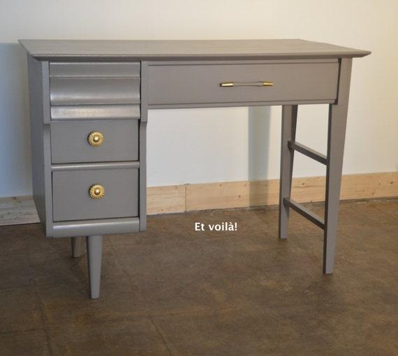 vintage solid wood desk painted taupe 4 drawers mid. Black Bedroom Furniture Sets. Home Design Ideas