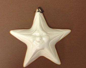 White ceramic star ABC Bassano
