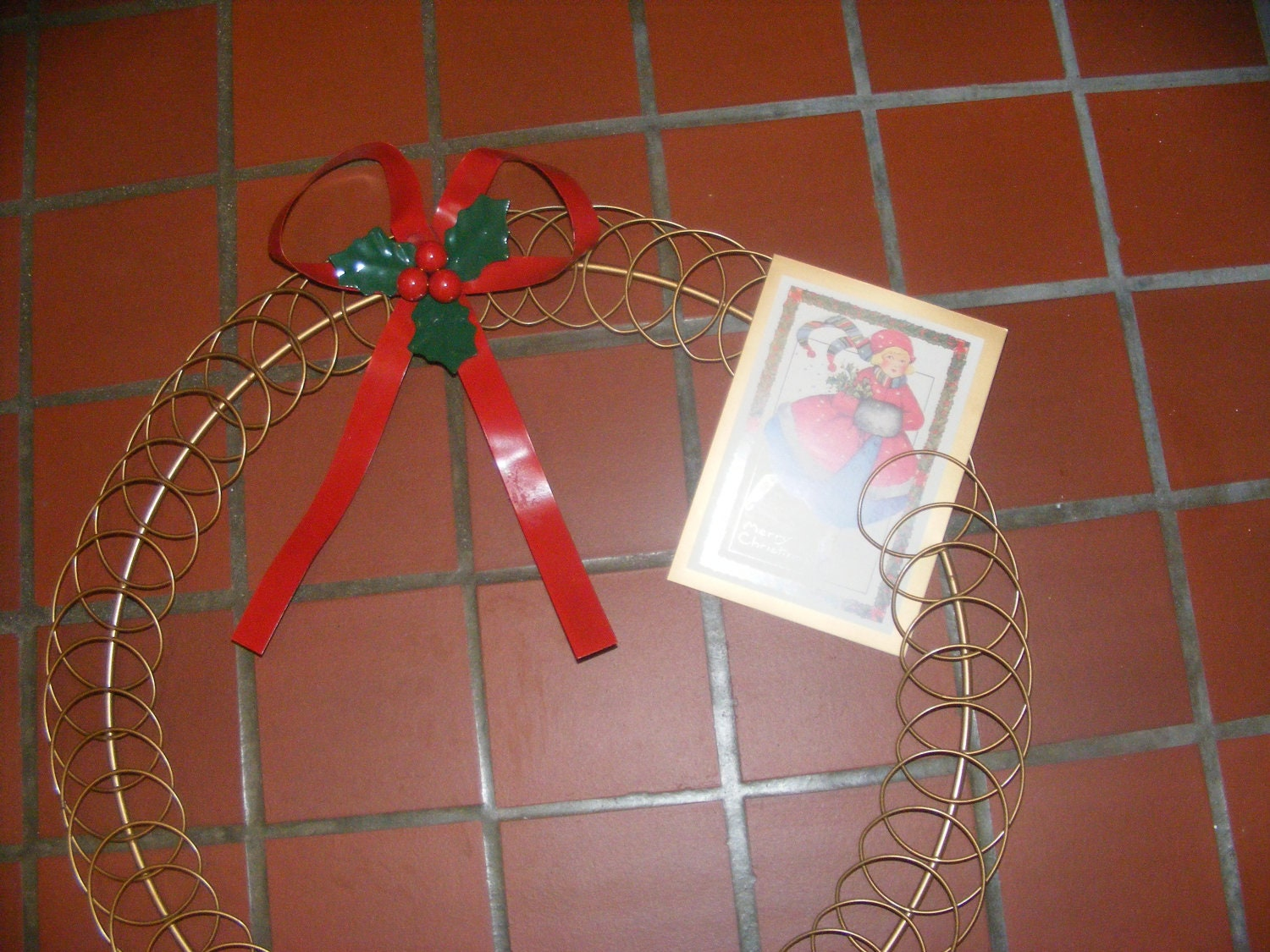 Wire christmas card holder wreath - Christmas card wall holder ...